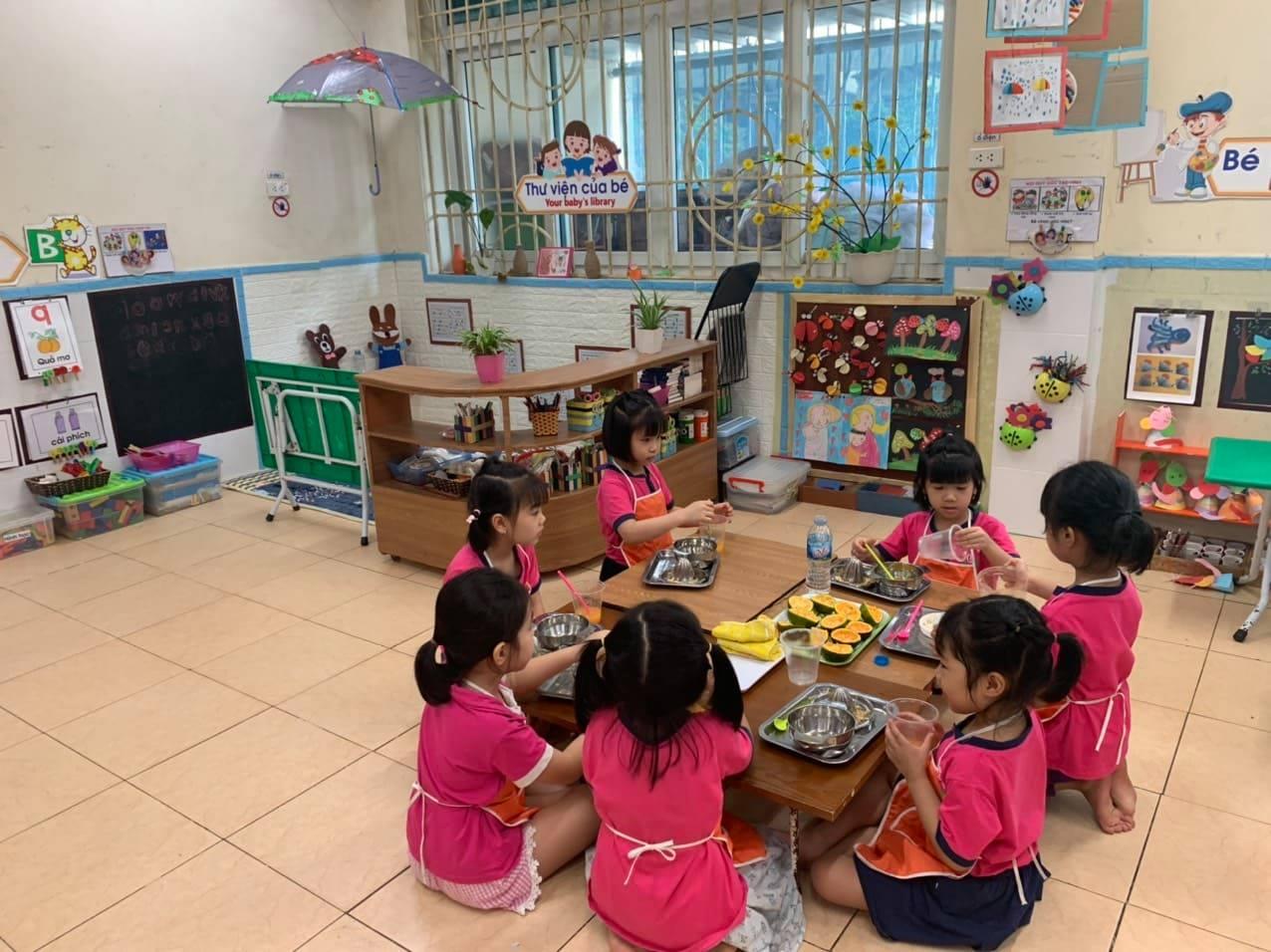 Các bé lớp A5 tìm hiểu về sự kỳ diệu của hoa quả